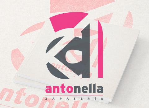 logotipo cadenas de tiendas de zapatos en León